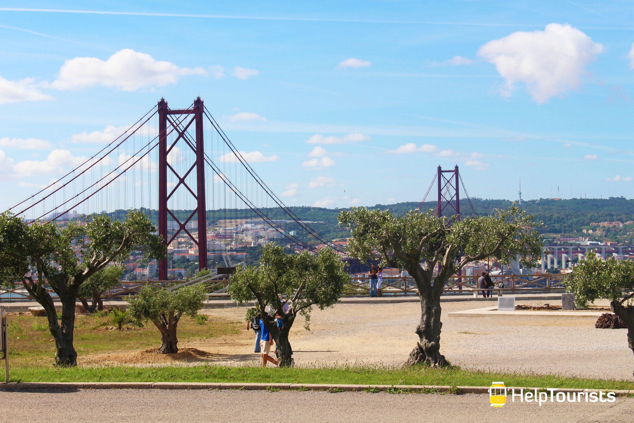 LISSABON_Christo-Rei_Aussichtsplattform_Ponte-25-de-Abril_l