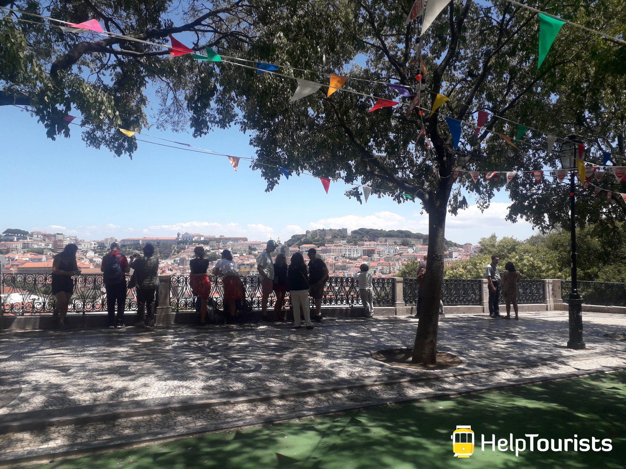 Lissabon Aussichtspunkt Sommer