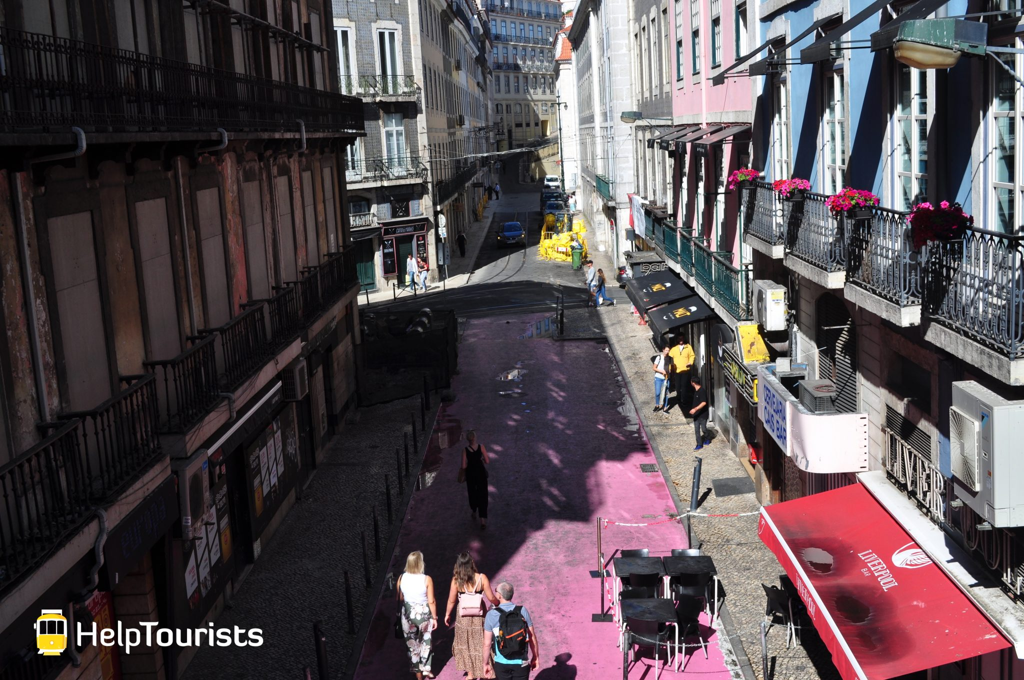 Lissabon Viertel Nachtleben und Ausgehen rosa Straße
