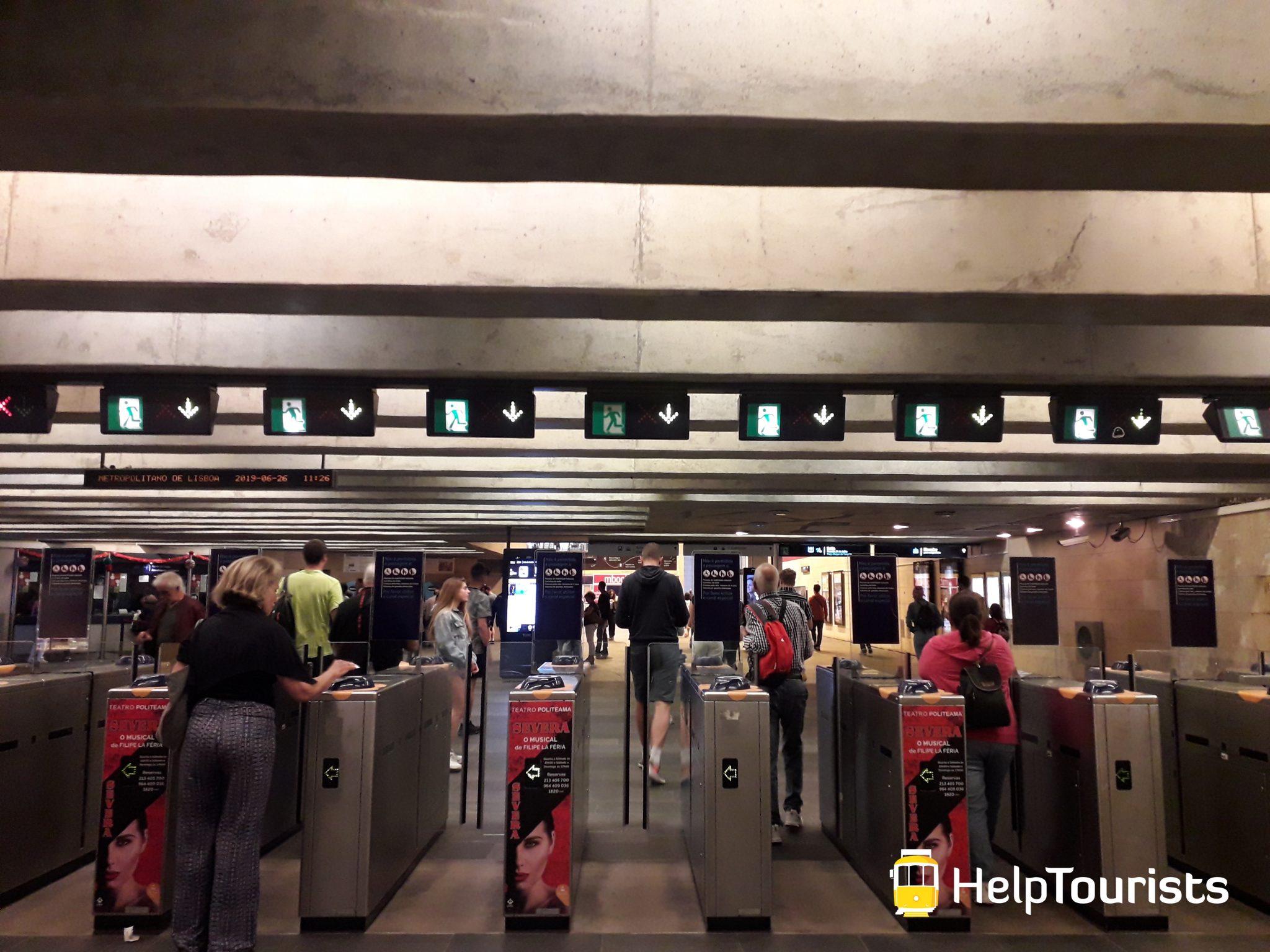 Lissabon U-Bahn Eingang Tickets