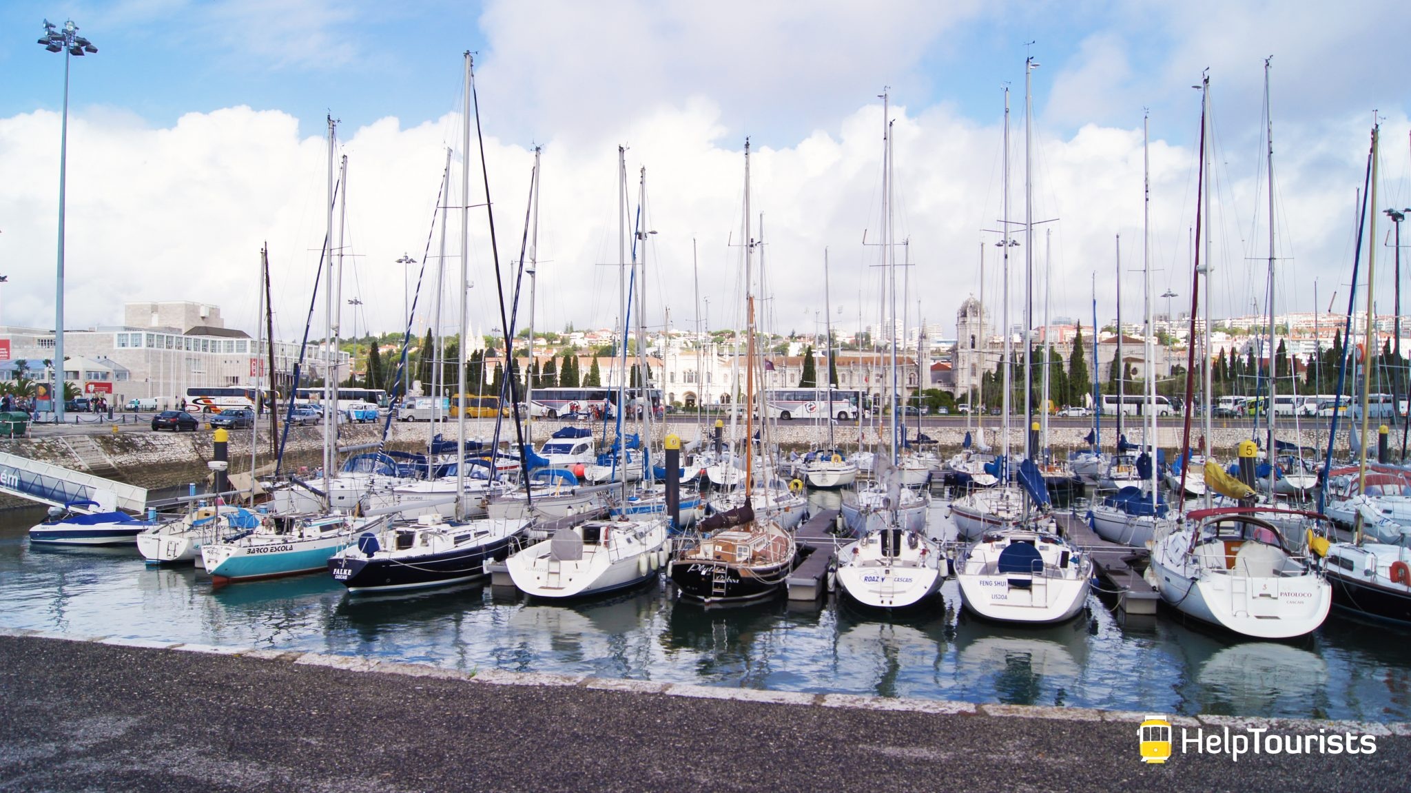 LISSABON_Hafen_Belem_Boote_l