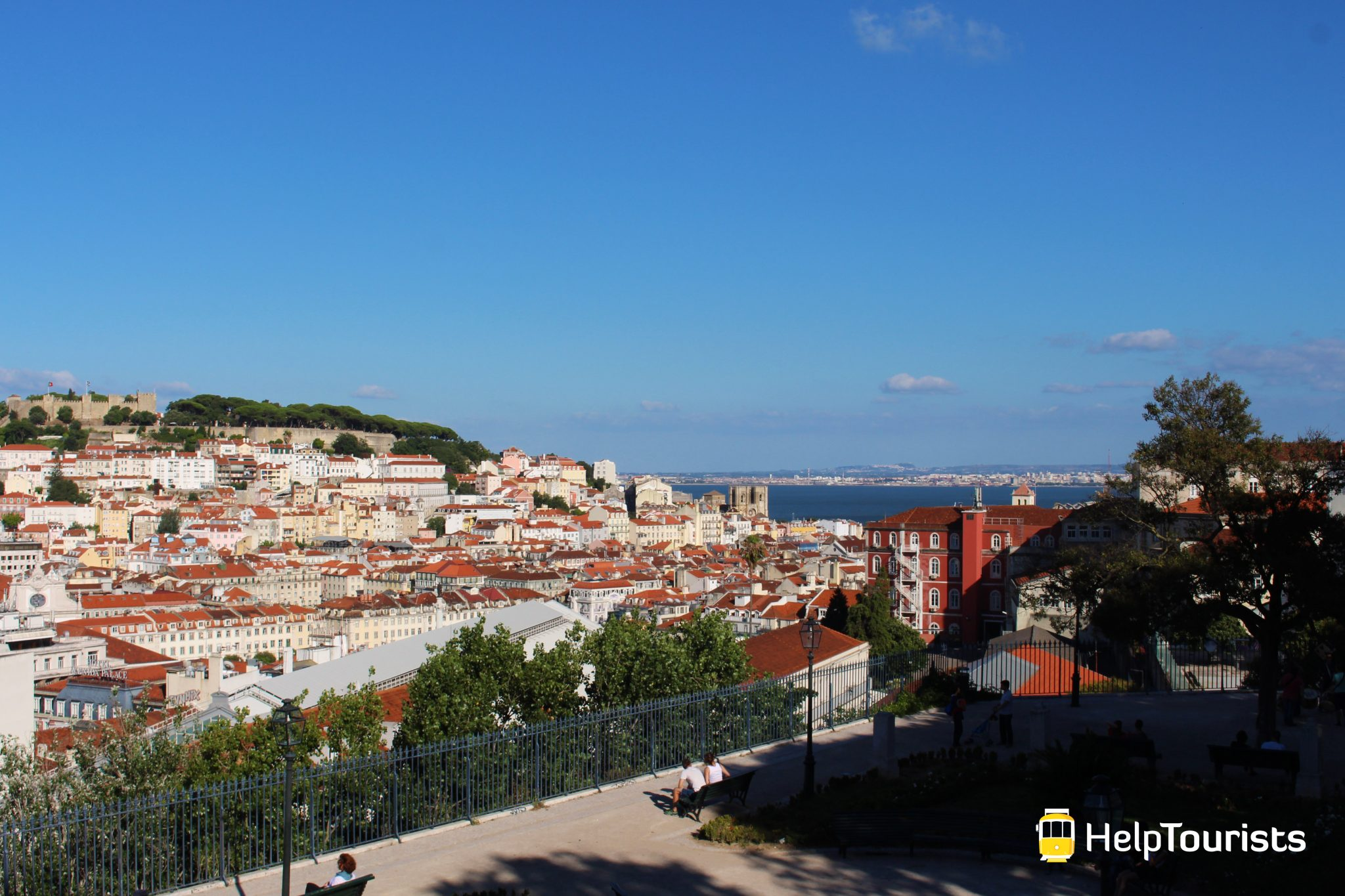 LISSABON_Jardim-de-Sao-Pedro-de-Alcantara_l