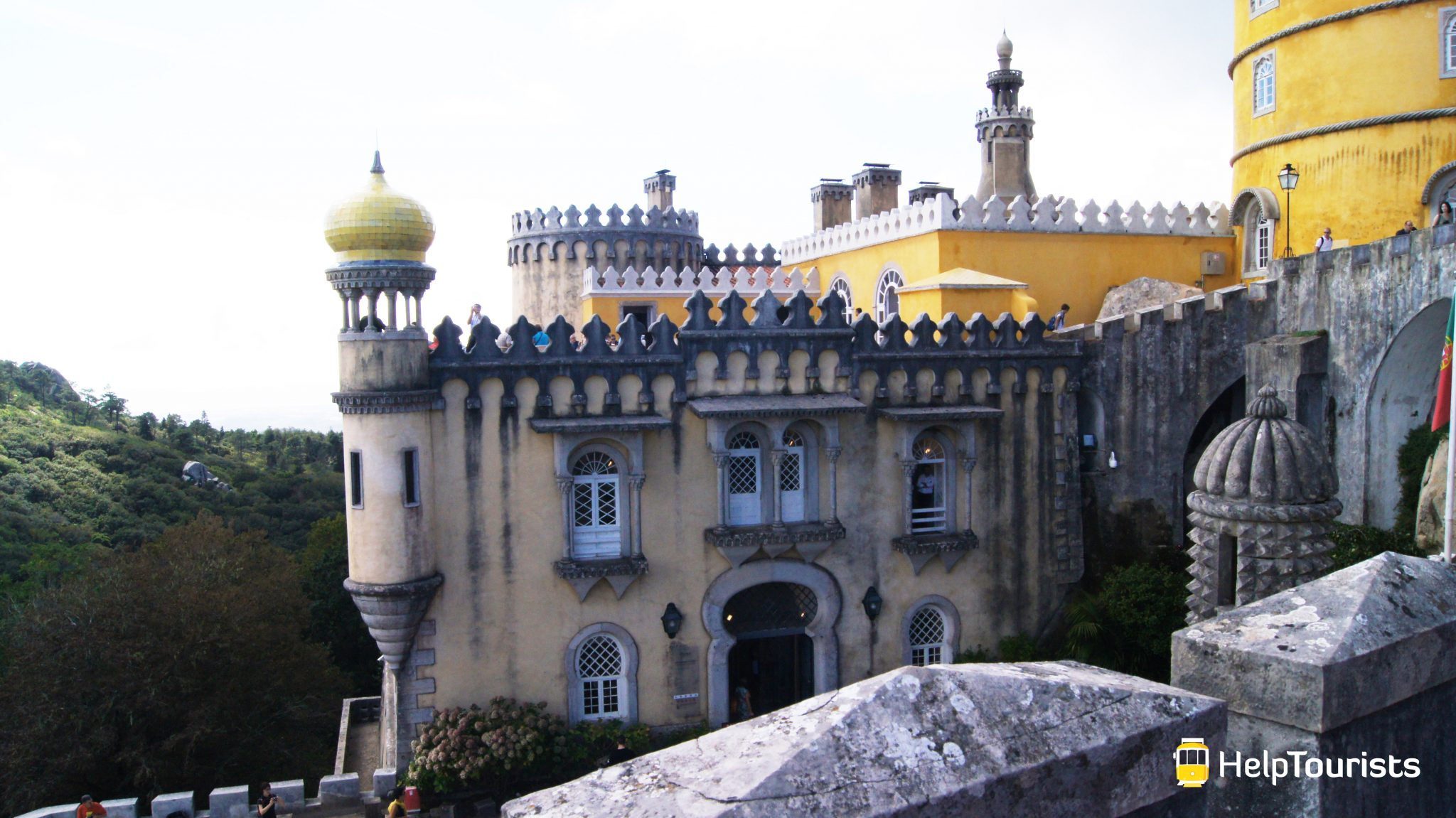LISSABON_Palacio-Nacional-da-Pena_Sintra_Seitlich_l