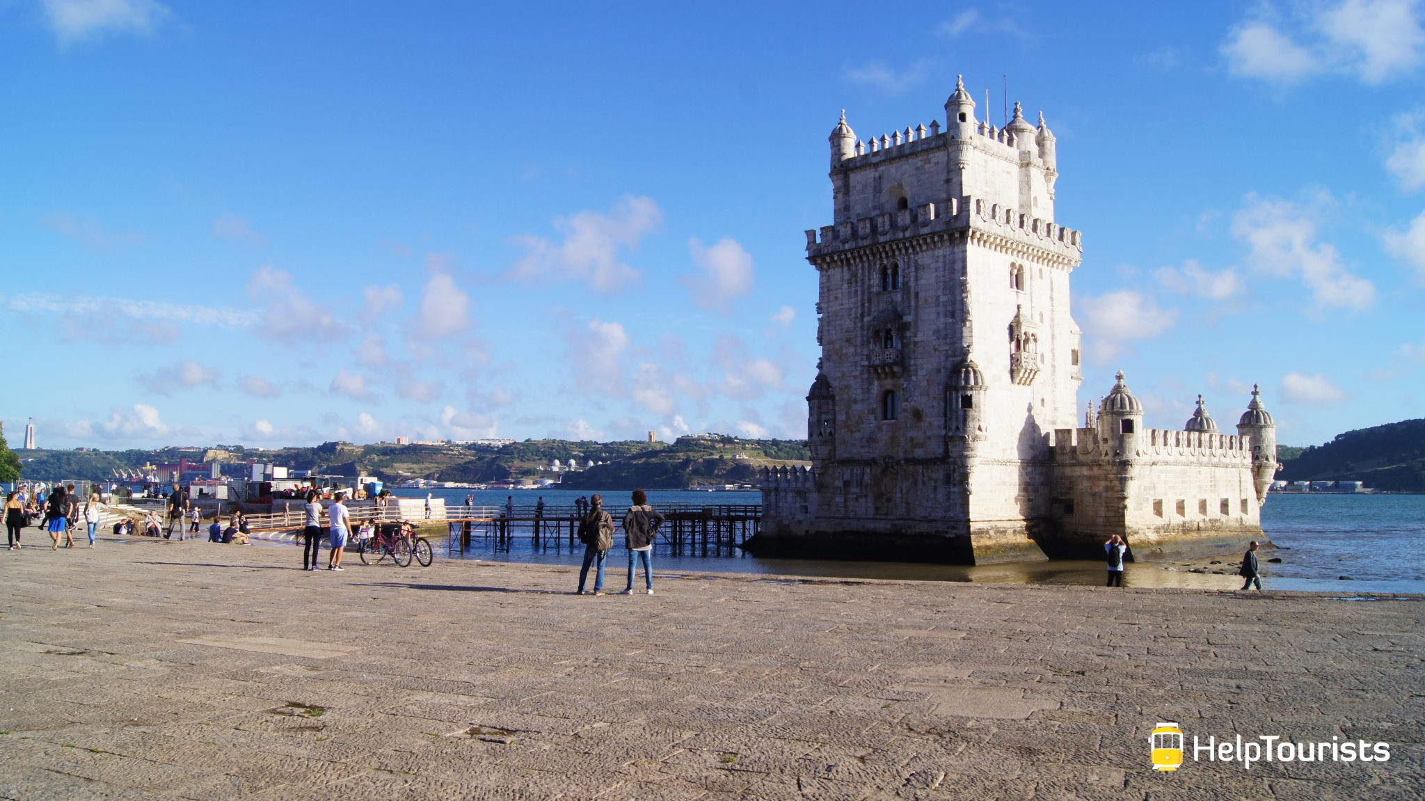 Lissabon Turm von Belém weit