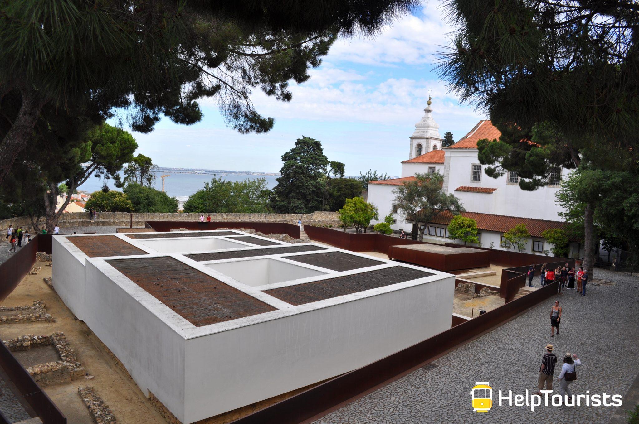 Lissabon castelo de sao jorge sommer
