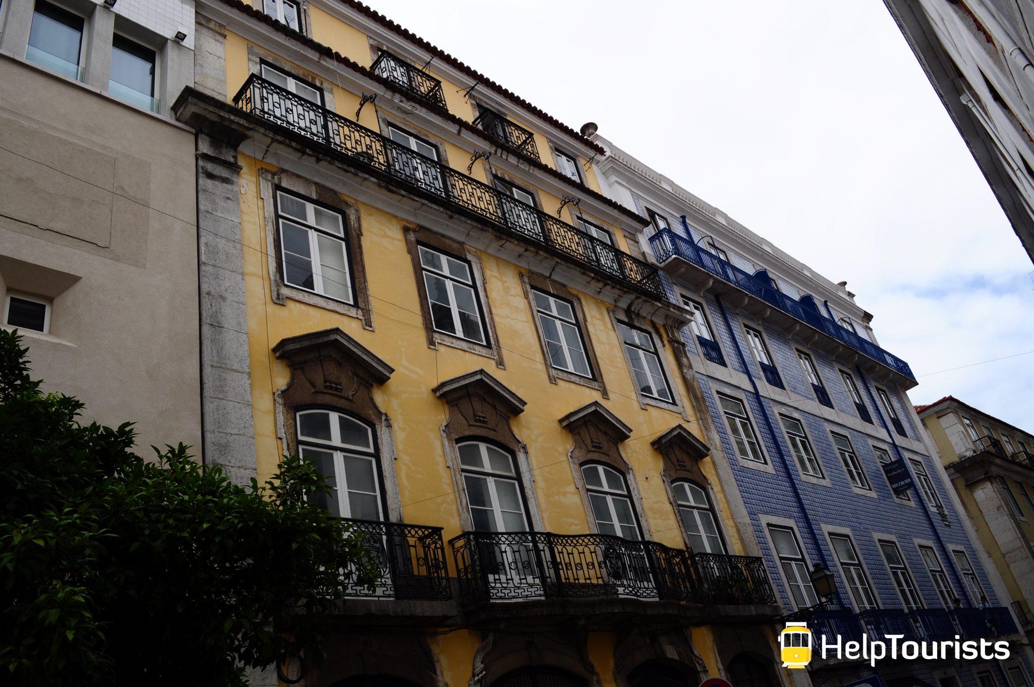 Lissabon Viertel besichtigen Hausfassaden