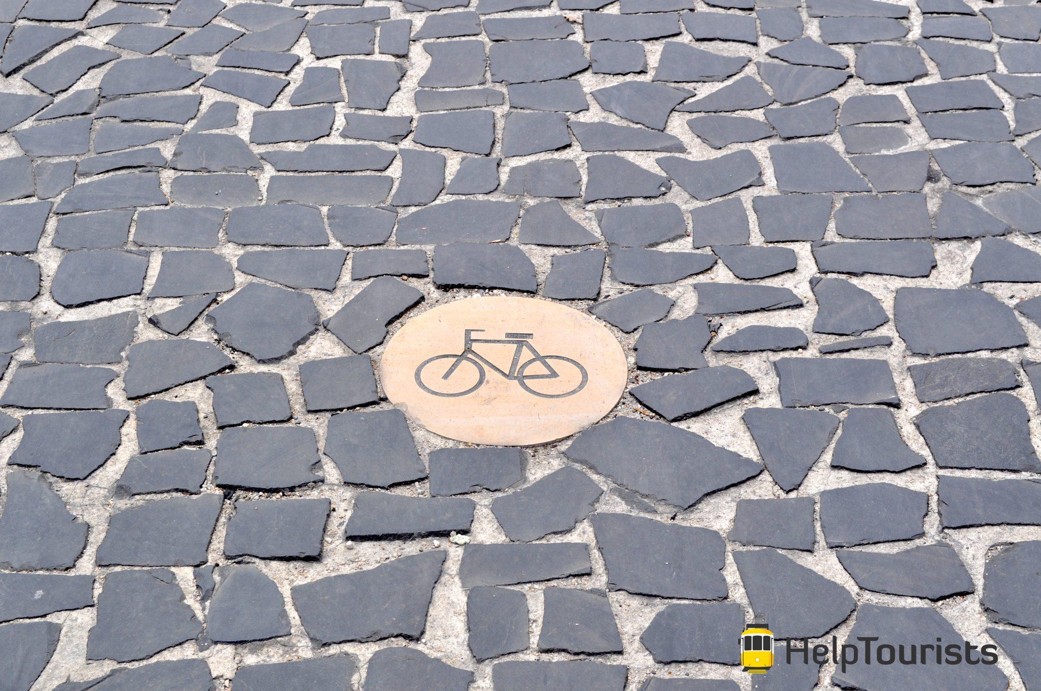 Lissabon Fahrrad Zeichen am Boden