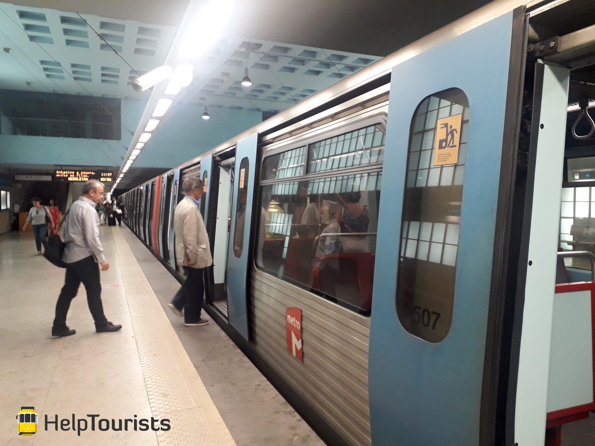 Lissabon U-Bahn von außen