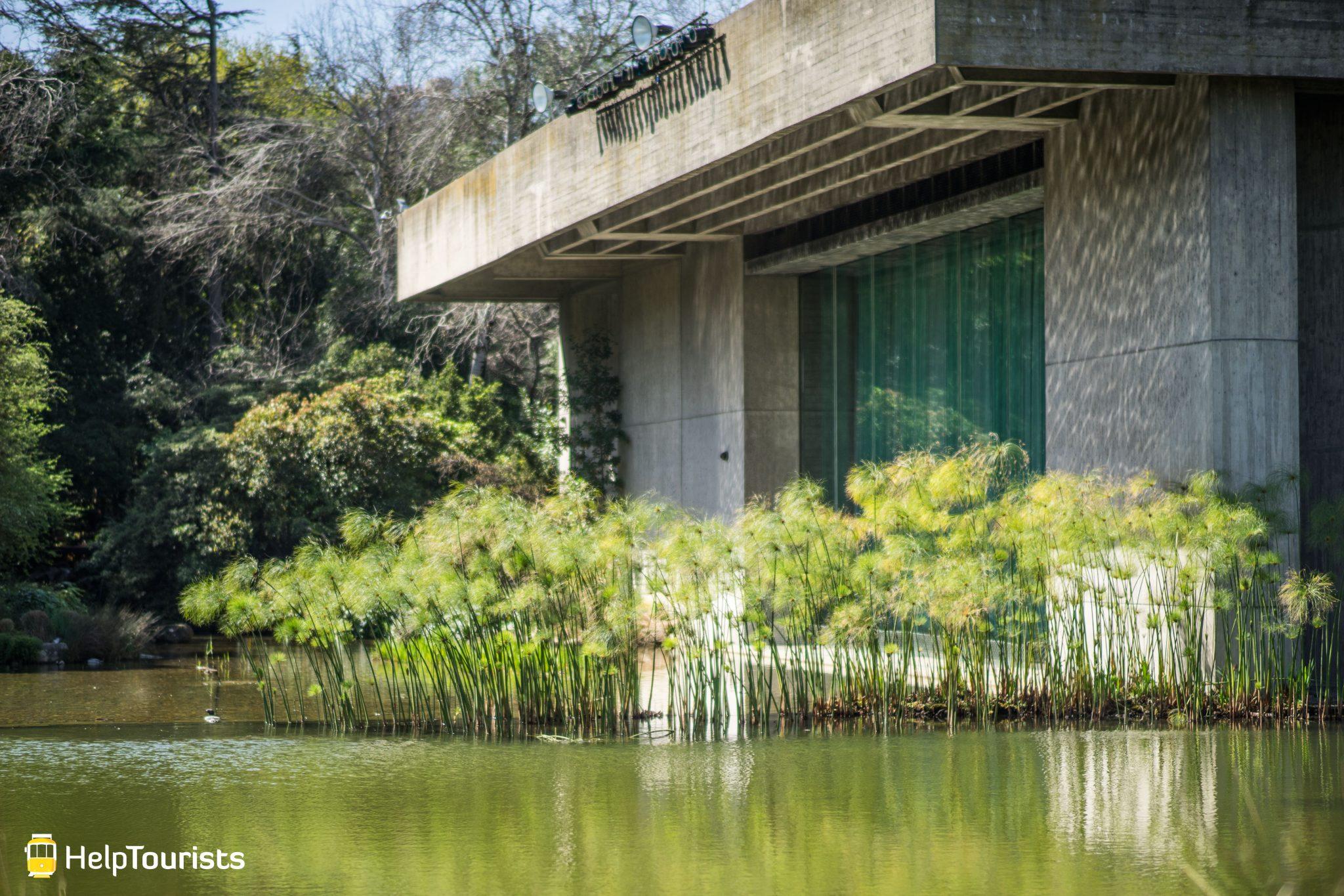 Lissabon_Museu-Calouste-Gulbenkian_Gebaeude