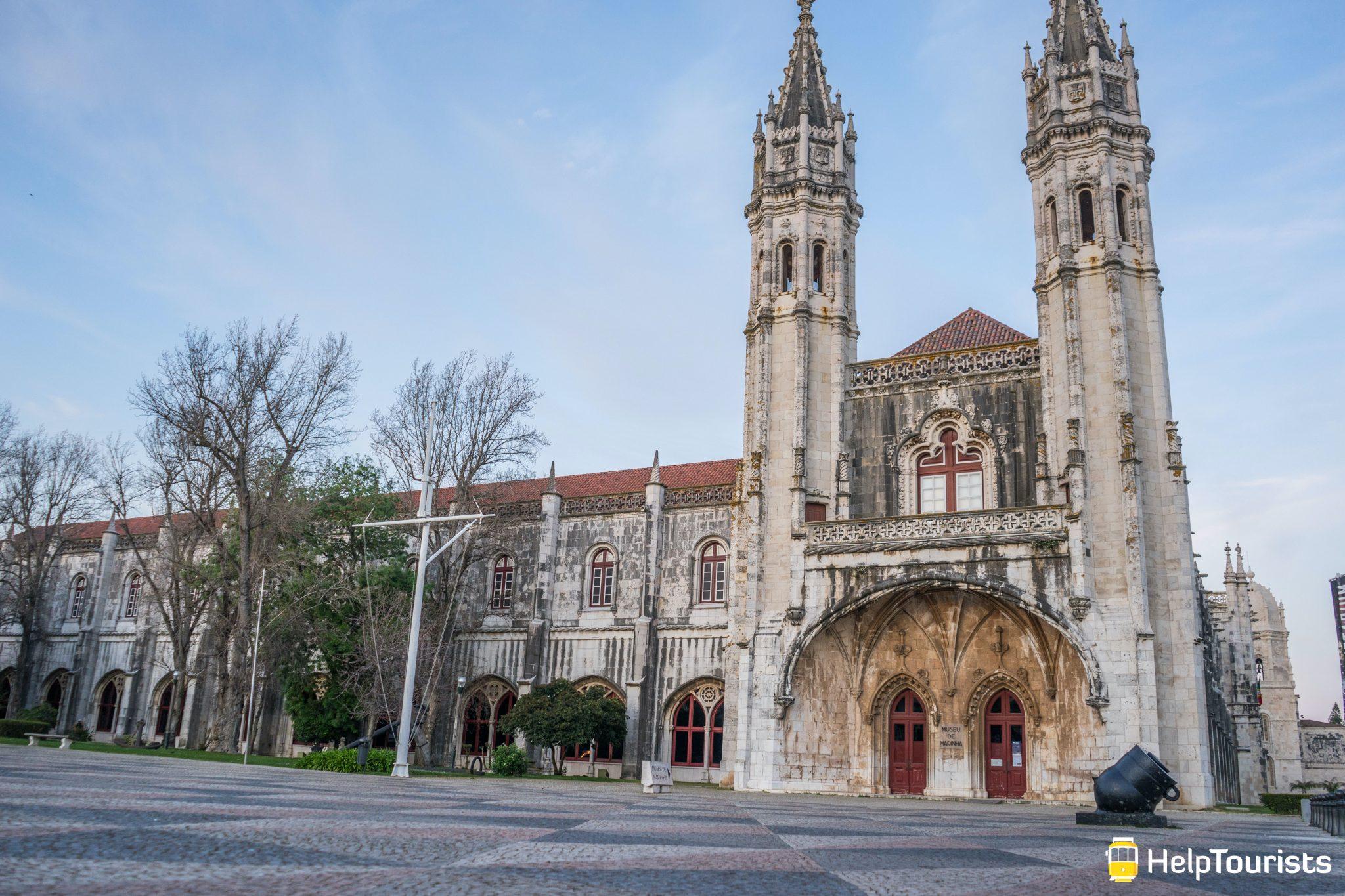 Lissabon_Museu-de-Marinha_Eingang_totale